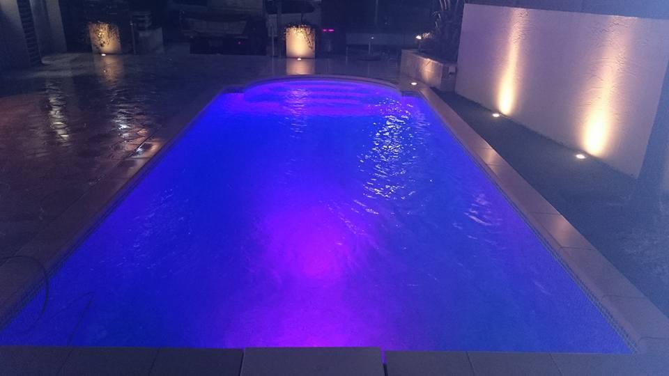 夜のプール2
