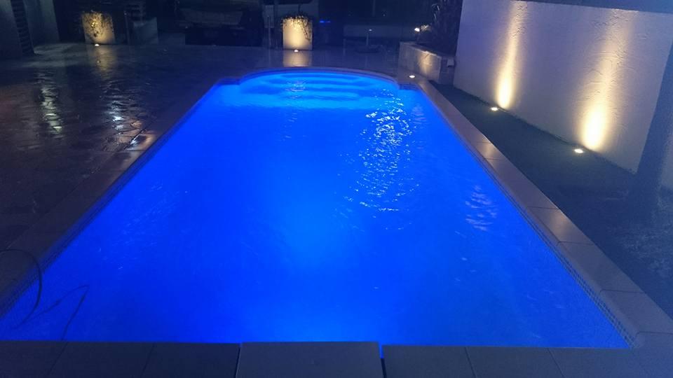 夜のプール3