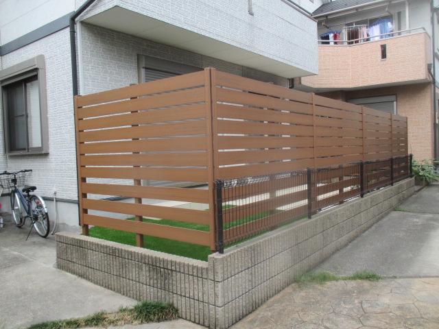 樹脂フェンス