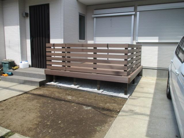 LIXIL 樹ら楽ステージ木彫・デザイナーズフェンス