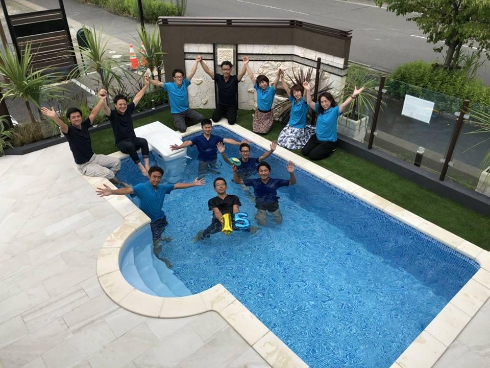プール入水式