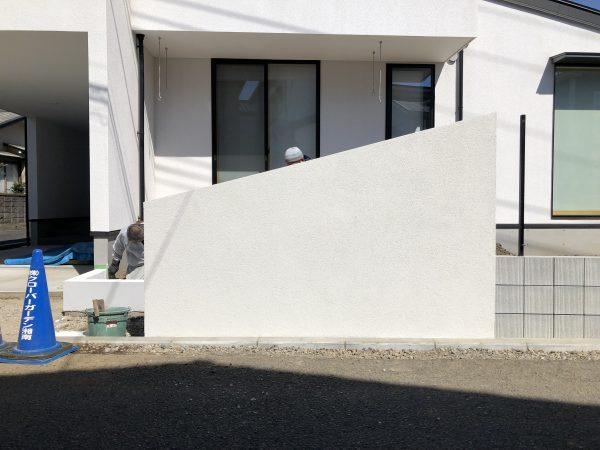 オリジナル目隠し塀と駐車場 施工中!! 茅ヶ崎市